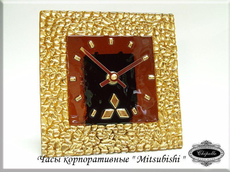 часы Mitsubishi с золотым витражем