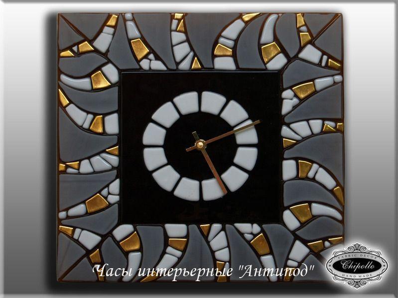 витражные часы с золотом