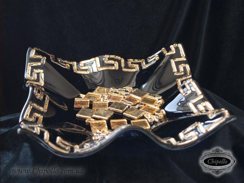 сувенир с золотым декором