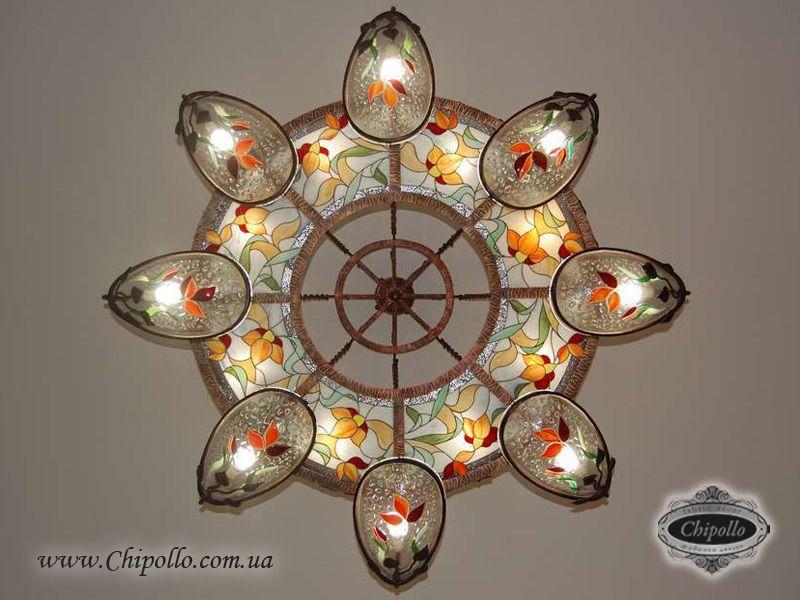 декоративная люстра из цветного стекла