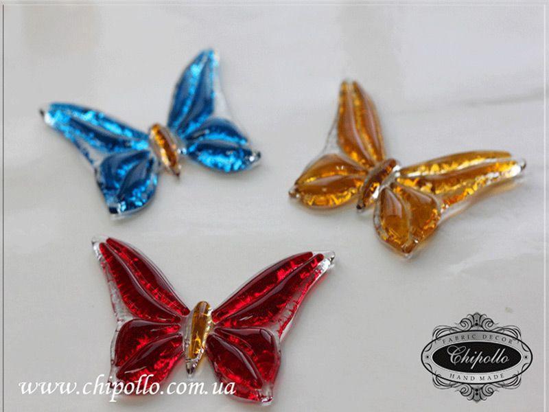 бабочки из цветного стекла