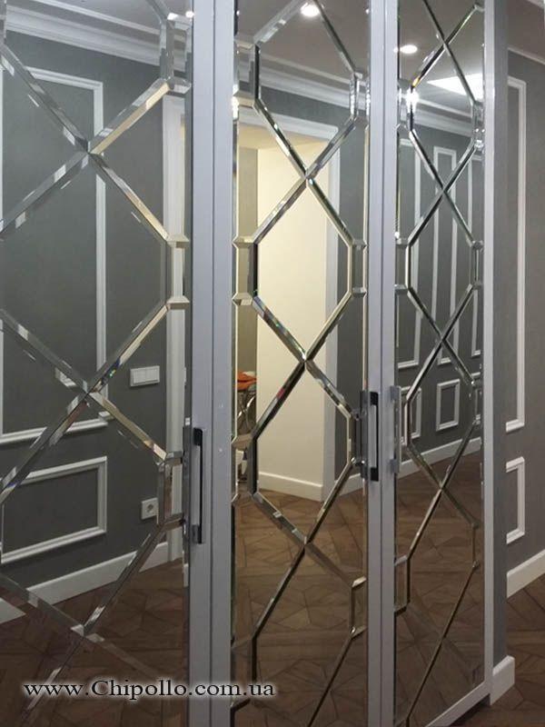 витражное зеркало в дверях