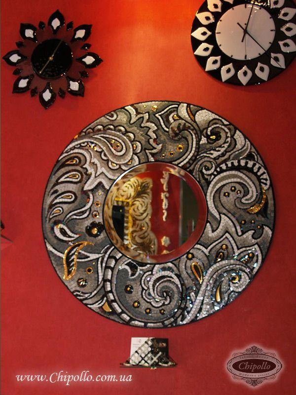 круглое зеркало с витражным декором