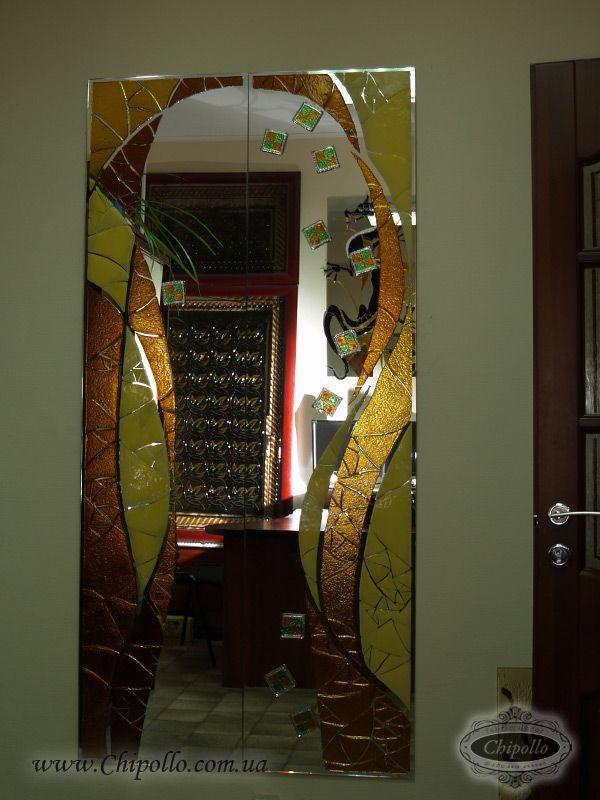 интерьерное зеркало с витражом