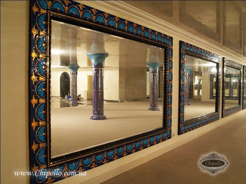 декоративное зеркало с золотым витражом