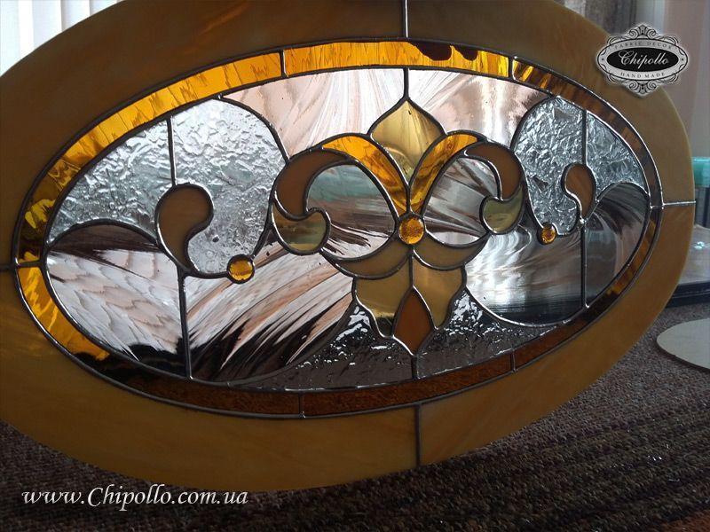витражное окно овальной формы