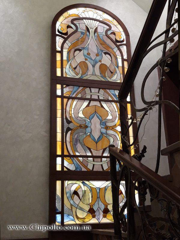 декоративное окно с витражом