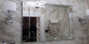 зеркало с декоративной рамкой